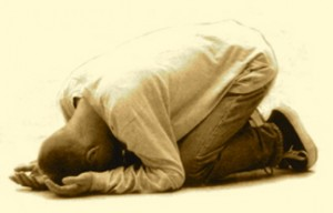 kneeling-down-to-pray