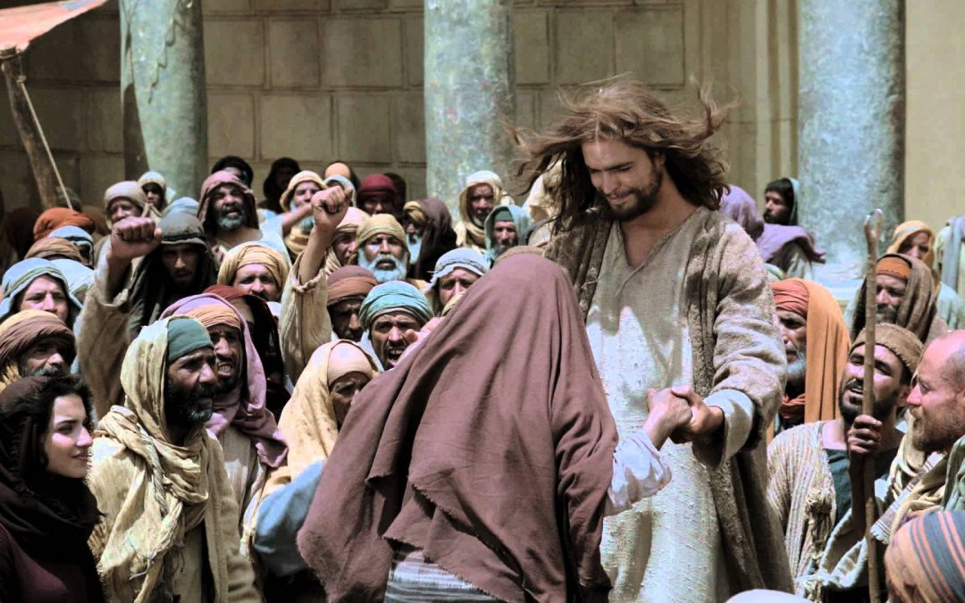 Jesus (finally) comes to Jerusalem as Messianic King – Follow Me (Part 44)
